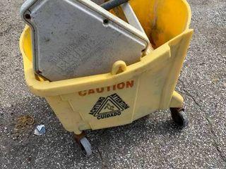 Commerical mop bucket