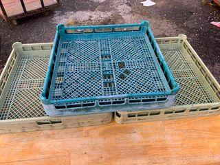 Commerical dishwasher trays