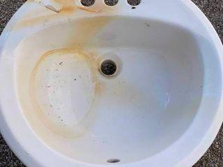 Porcelian bathroom sink