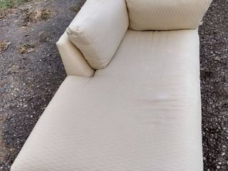nice clean cream colored chaise lounge 60 in long 32 in wide