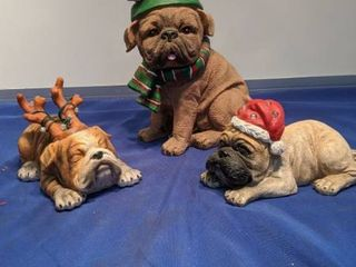 three Christmas dogs two little ones plays music needs batteries