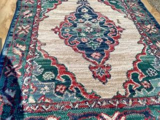 31 in by 51 in polynaise Oasis lamb wool rug