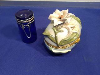 beautiful keepsake egg and a cobalt blue container