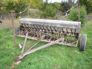 John Deere 16 Rin Grain Drill