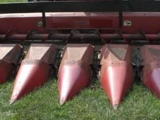 1063 6 Row 1000 Series Corn Head