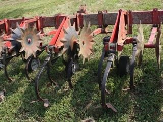 Case IH Model 185 3 Point 6 Row Cultivator
