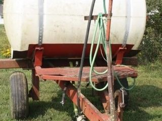 500 Gallon Sprayer Tank  pull type  No boom