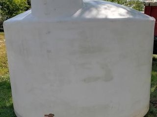 1550 Gal  Dura Cast Vertical Water Storage Tank