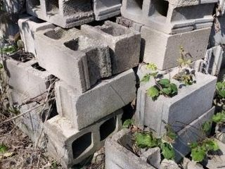 Approx  100 Cinder Blocks