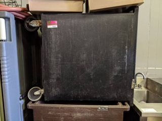 Cambro Ice Bin 42108 R lid Missing