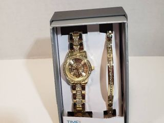 Time and Tru Watch Bracelet set with Crystal Accents Round 12 hour dial gold face gold wristband watch womens