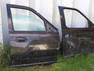 PAIR OF FORD F150 DOORS