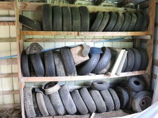 lARGE QUANTITY OF TIRES   WHEElS