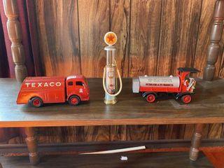 2 DIE CAST TEXACO BANKS   GAS PUMP