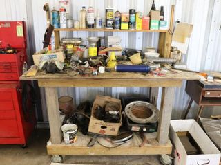 WOODEN WORK BENCH ON WHEElS   CONTENTS
