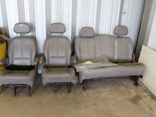 SET OF FORD WINDSTAR lEATHER SEATS