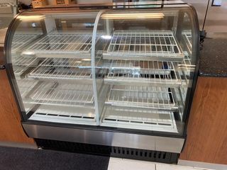 True 48  Dual Zone Refrigerated Pastry Case
