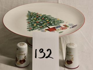 Pedestal Cake Plate  Christmas themed  plus
