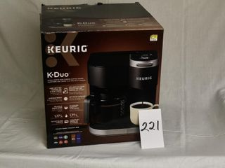 Keurig single serve and carafe coffee maker