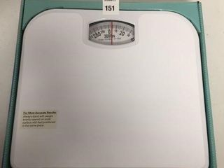 AQUA PlUMB BATHROOM SCAlE
