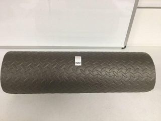 FINAl SAlE RUBBER MAT SIZE 72  X 24