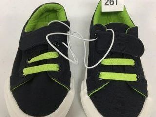 AMAZONESSENTIAlS BOY S SHOE SIZE 6