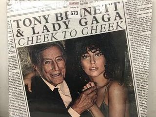 TONY BENNETT AND lADY GAGA RECORDING AlBUM
