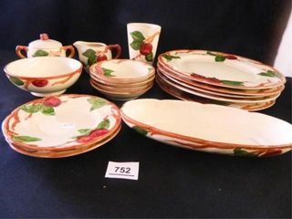 Franciscan Apple Dishes  16 Pieces