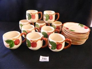 Franciscan Apple Cups   Saucers