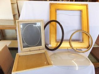Frames  5  Oval Arched Glass