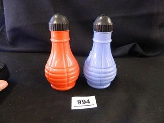Vintage S   P Shakers   Red Blue