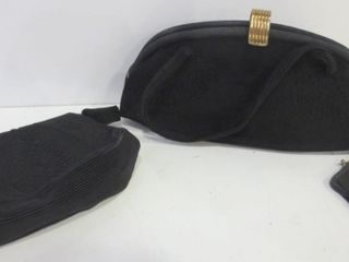 PAIR OF BlACK EVENING ClUTCH BAGS