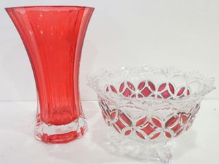 COlOURED 8  GlASS VASE  FOOTED ClEAR AND COlOURED