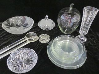 GlASS PlATES  BOWl  9  VASE  APPlE SHAPED COOKIE