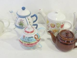 TEAPOTS  TEAPOT AND CUP SETS   SADlER  MARY HUGHES