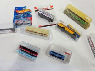DIE CAST COllECTIBlE BUSES