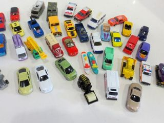 DIE CAST COllECTIBlE CARS AND TRUCKS