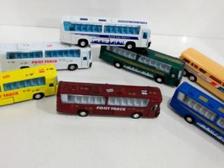 MODEl BUSES 7    DIE CAST AND PlASTIC