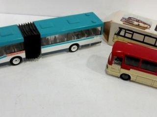 TEKNO 950 WHITE AND RED MERCEDES BENZ COACH BUS