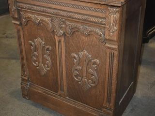 SEWING CABINET ON CASTER