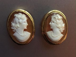 PAIR OF SHEll CAMEO ClIP EARRINGS STAMPED 9KT