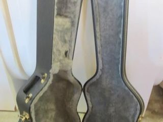 STAND UP lINED GUITAR CASE   45 X 14