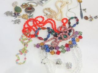 COSTUME JEWElRY   NECKlACES  TRINKET BOX  BROOCHES