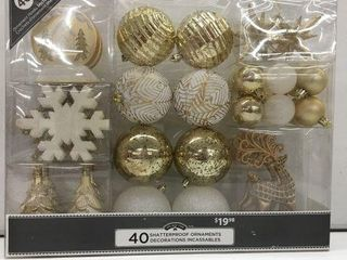 1 PIECE HOlIDAY TIME SHATTERPROOF ORNAMENTS