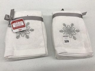 4PCS HOlIDAY TIME HAND TOWElS SIZE 15  X 25
