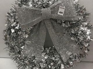 HOlIDAY TIME TINSEl WREATH WITH BOW SIZE 18