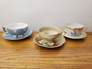 lot of 3 Hand Painted Tea Cups and Saucers   Origin Japan
