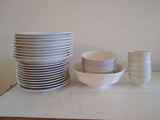 lot of Dishware  Syracuse China and Faberware