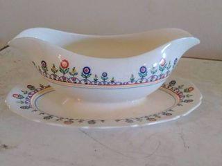 Christmas Keystone Gravyboat and Drip Plate