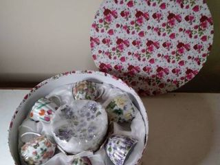 NIB China Tea Cup Set In Floral Box